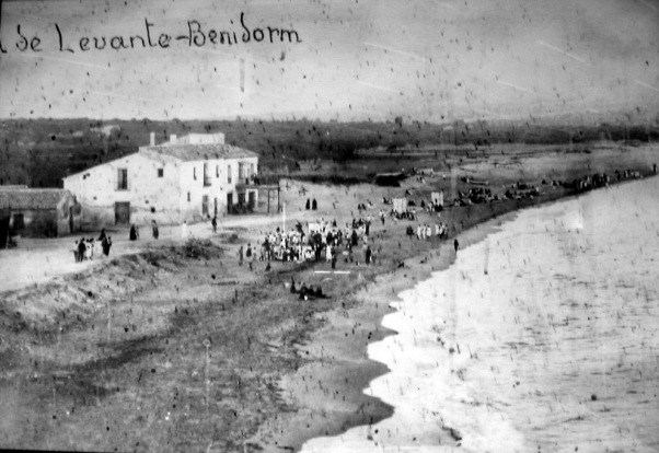 Resultado de imagen de fotos antiguas de benidorm